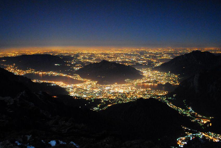 Il territorio denzamente popolato della Brianza visto dai monti di Lecco