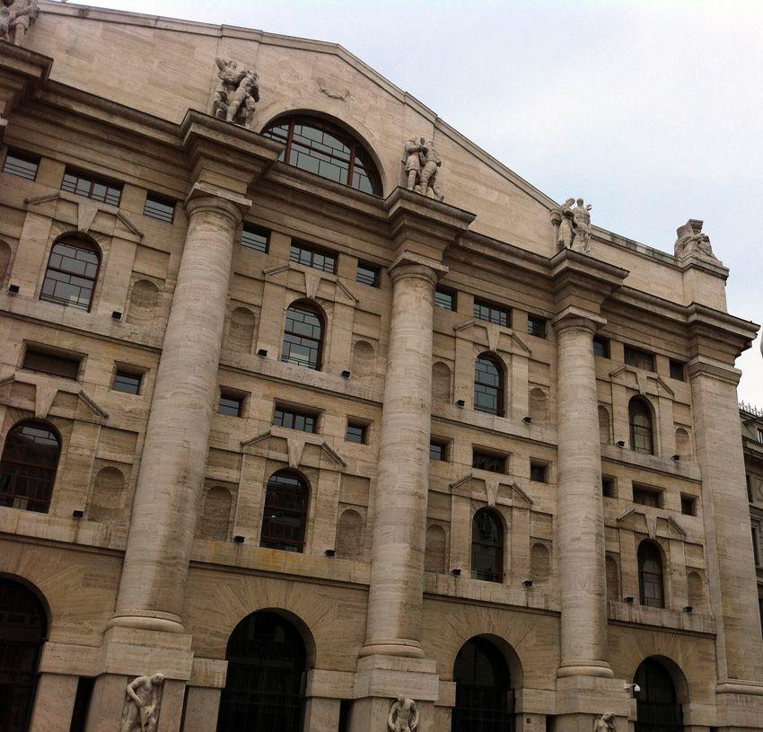 Piazza Affari, Milano