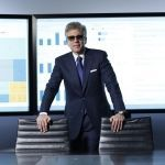 Bill McDermott_inpiedi