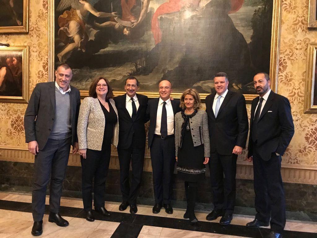 Foto di gruppo scattata alla firma del progetto Safer Milan nel novembre  scorso 271da128a8b